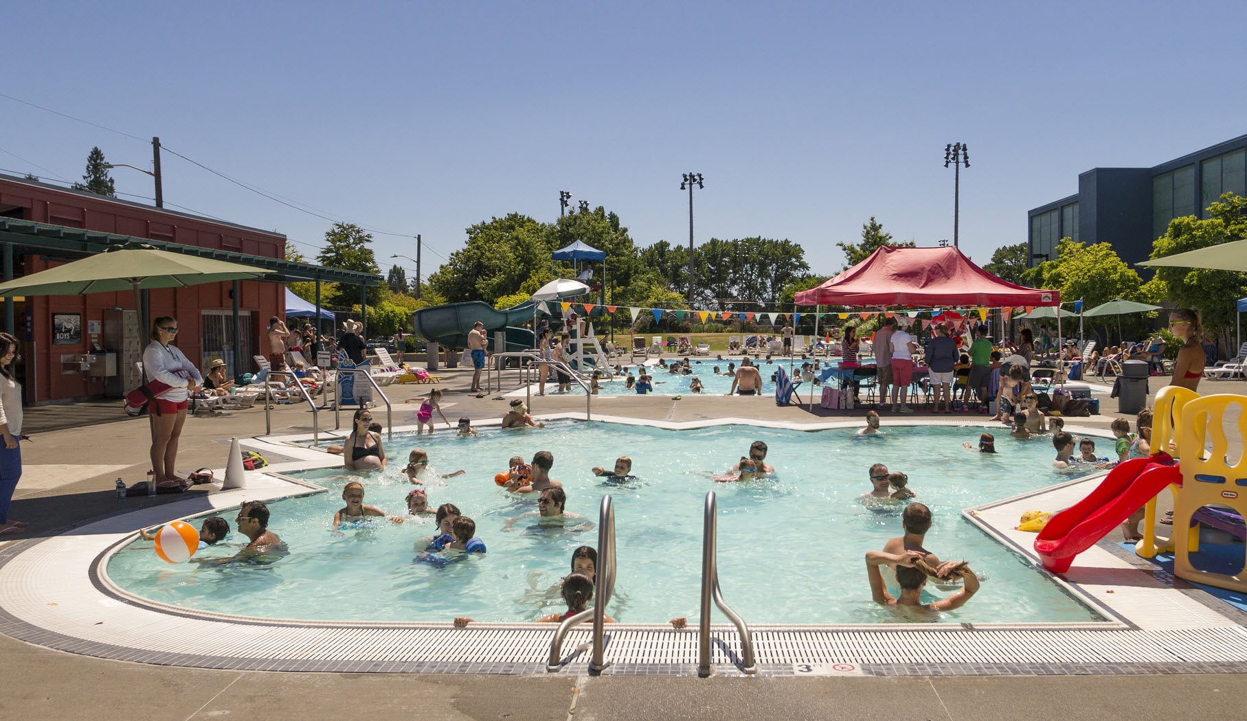 Summer swimming outdoor pools and water parks around - Public swimming pools greensboro nc ...