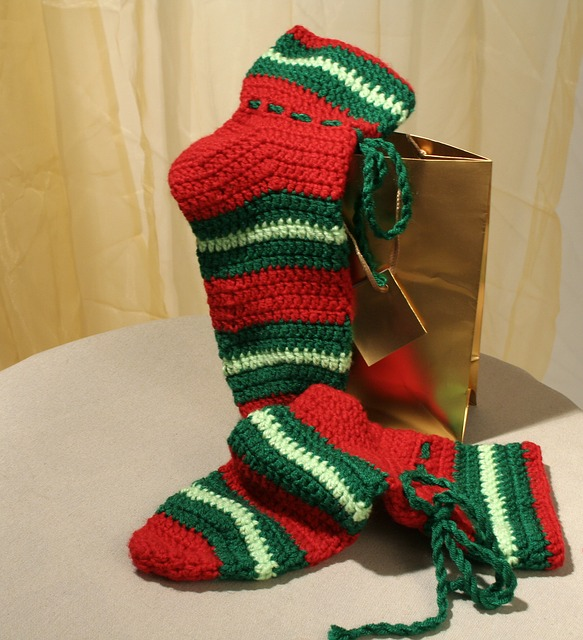 holiday knit stockings