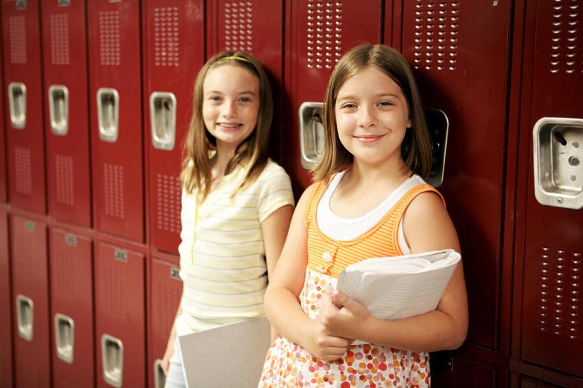 Midel school girls locker room - Porn clips