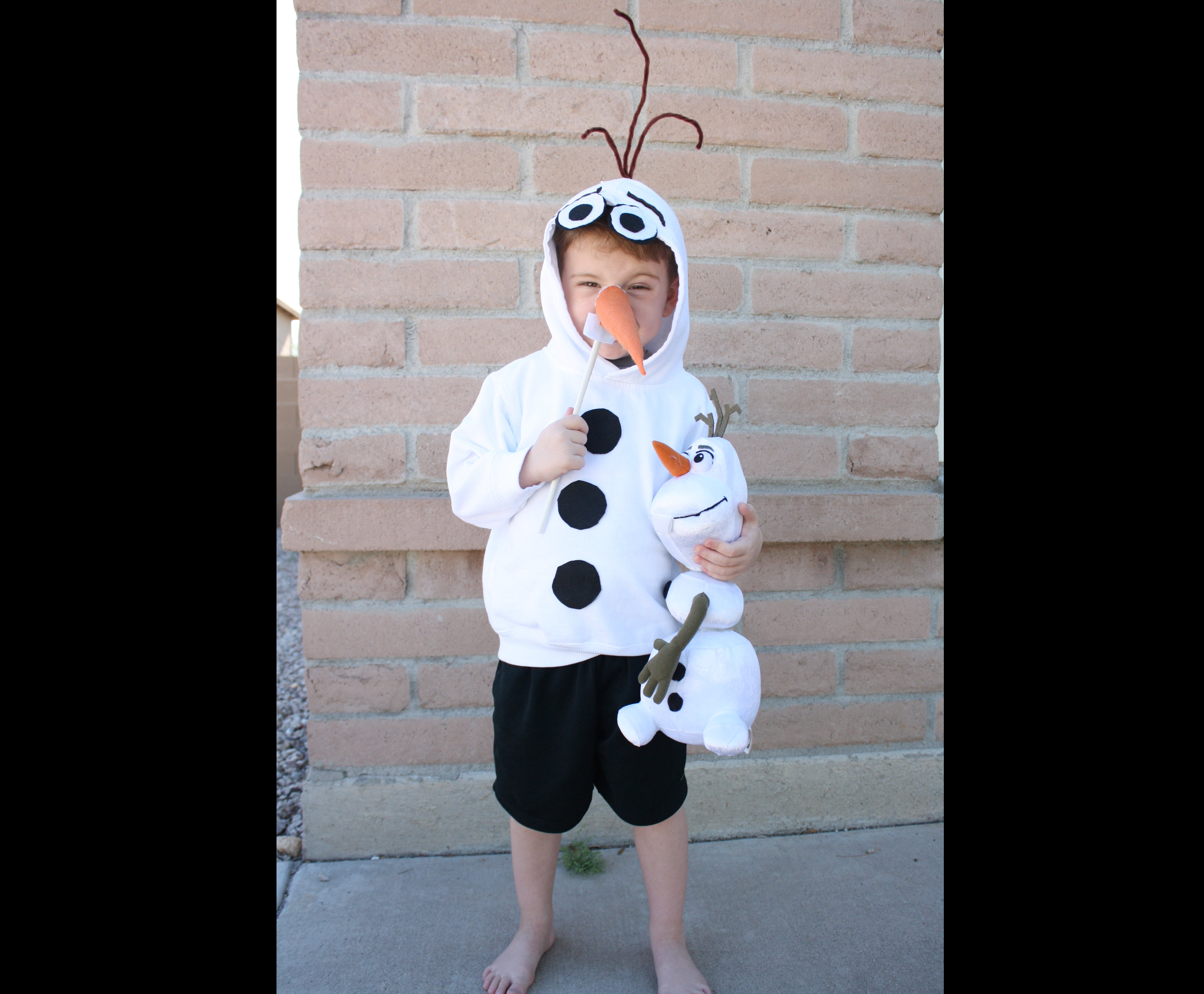 From pokemon to star wars 20 diy halloween costumes every kid olaf costume from frozen solutioingenieria Image collections