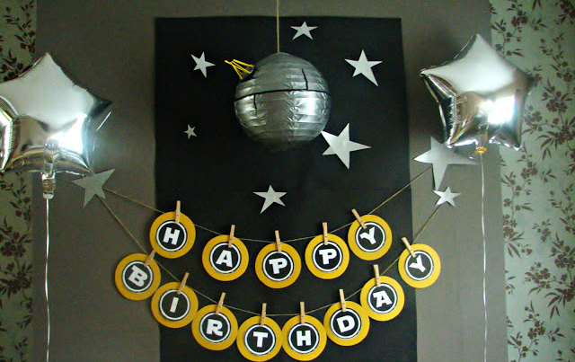 photo credit shine on - Star Wars Party Decorations
