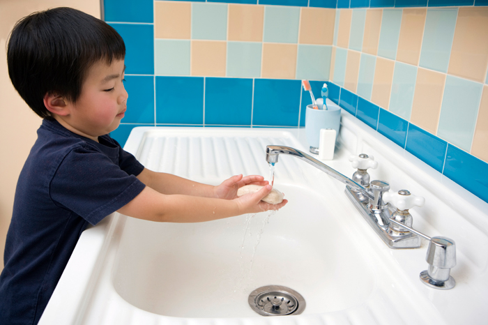 Lice and Beyond: How to Deal With Ewww-Worthy Childhood ... Kids Washing Hands