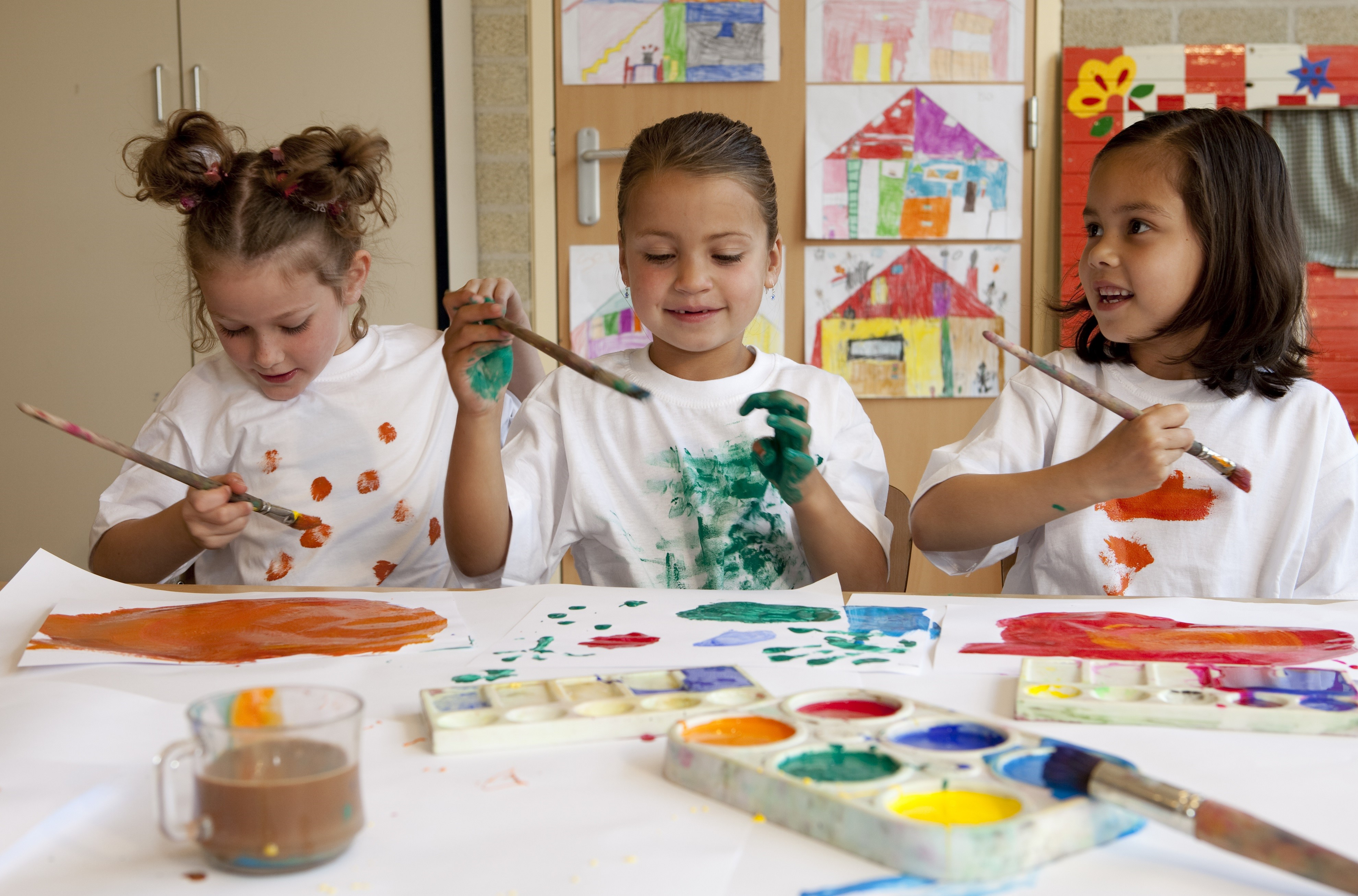 Children artists painting