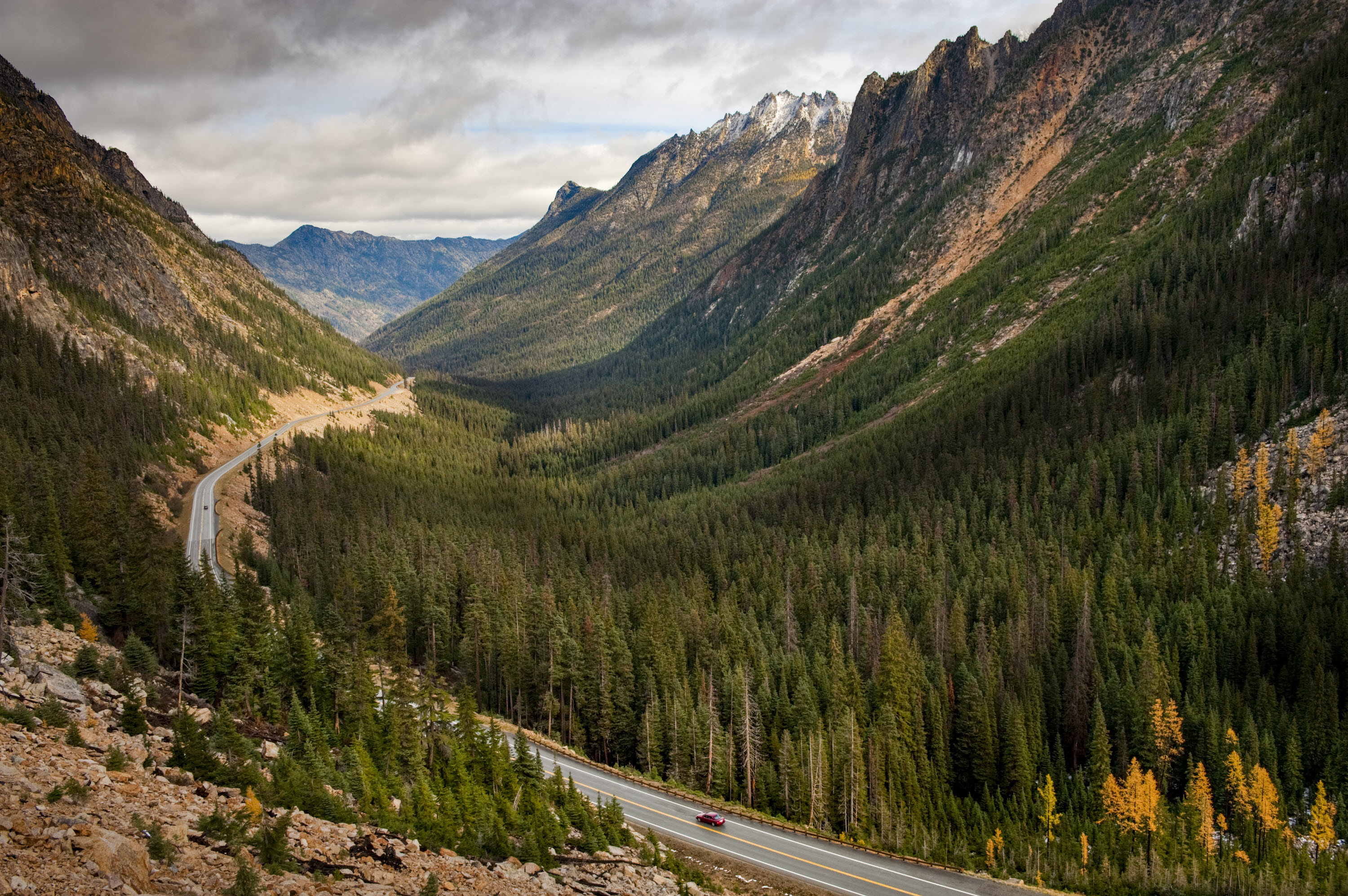 North Cascades Highway in the fall. Photo credit: istockphoto