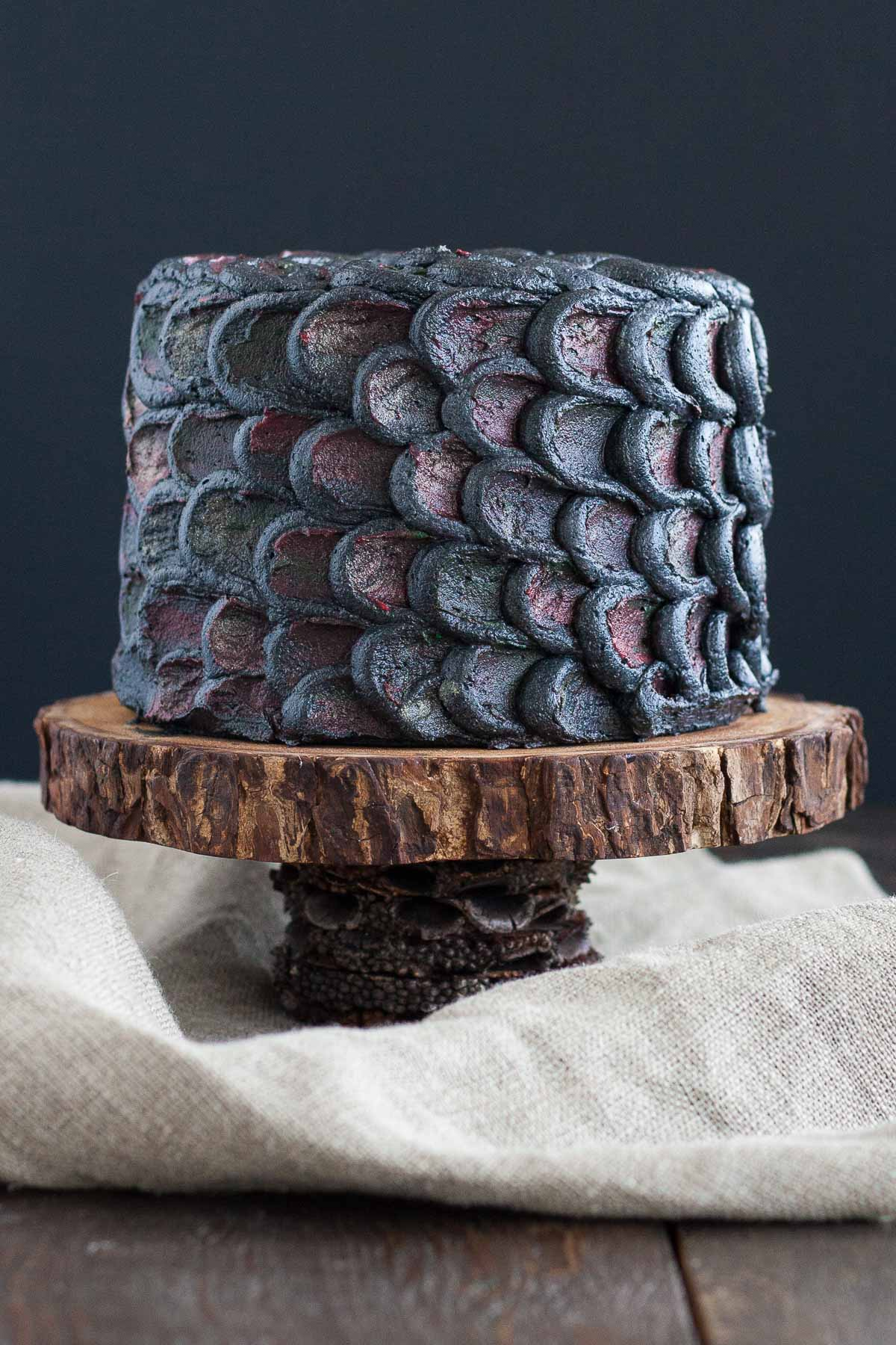 Game of thrones chair cake - Dragon Scale Cake For Game Of Thrones Baby Shower