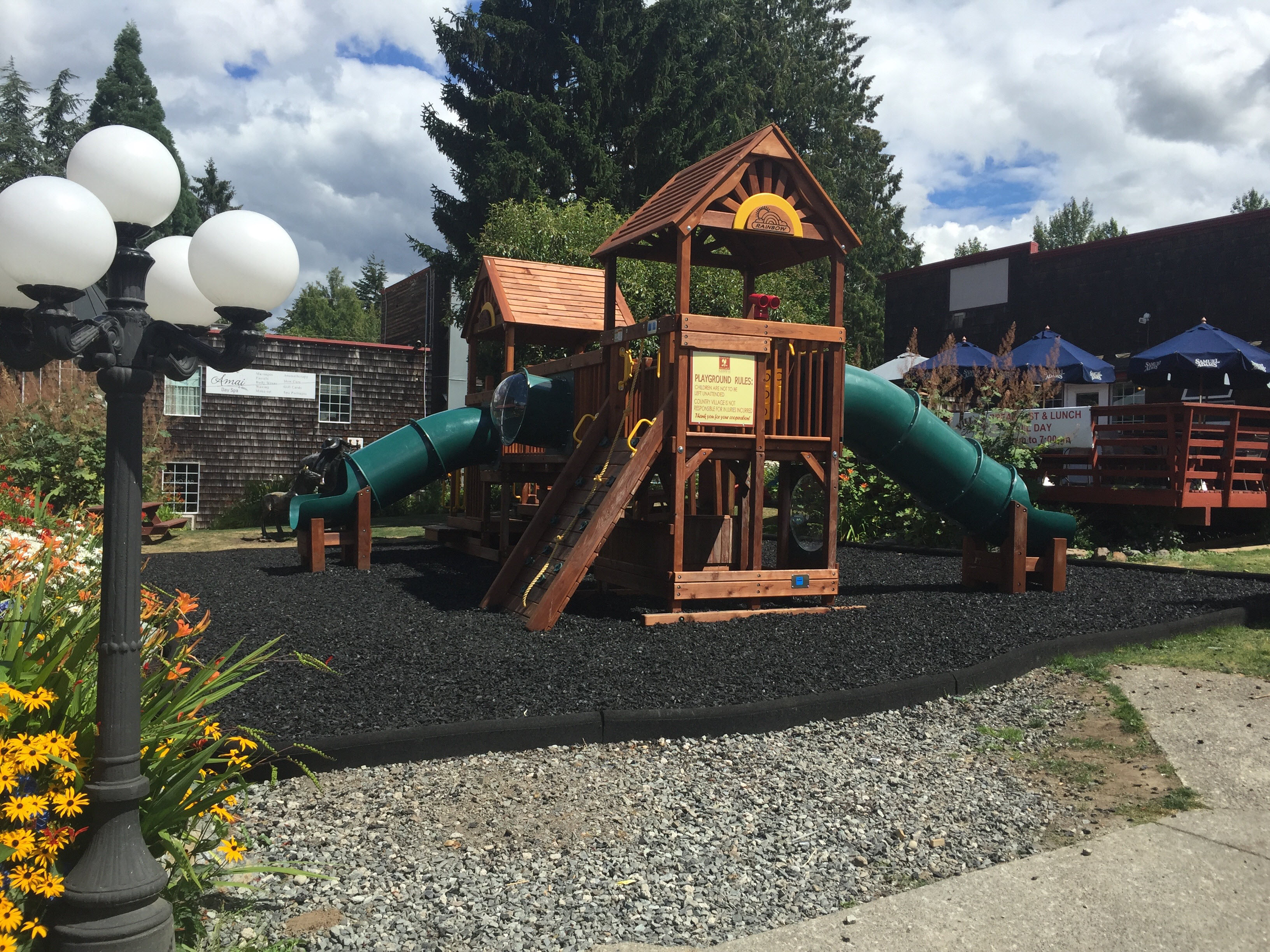 country village bothell