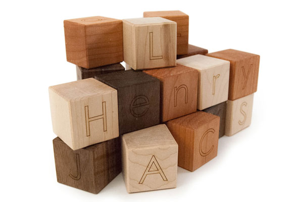 Great baby shower gifts: Personalized wooden blocks by the Little Saplings Toys Etsy shop