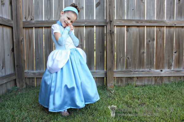 DIY Cinderella Halloween costume for kids by Make It & Love It