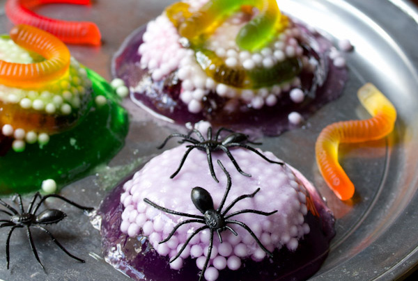 Halloween treats: Halloween spider nest treats by A Spicy Perspective
