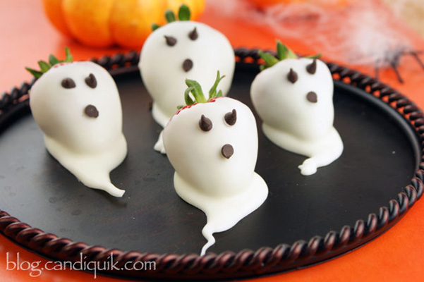 Halloween treats: White-chocolate covered ghost strawberries by Miss Candiquick