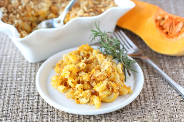 Healthy Thanksgiving side dish: Butternut squash mac and cheese by Two Peas & Their Pod
