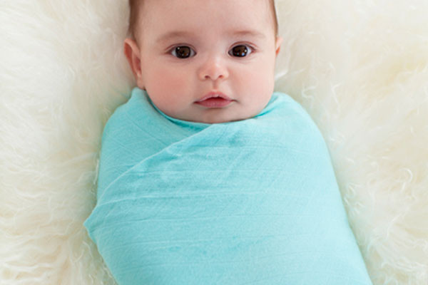 Great baby shower gifts: Aden + Anais bamboo swaddling blankets