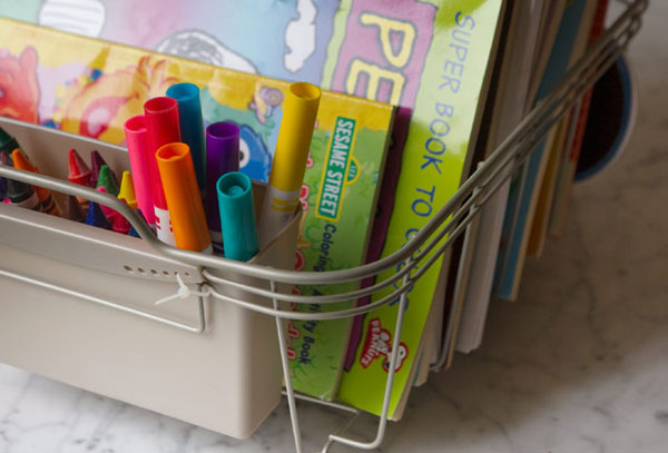 DIY organizing ideas: DIY dish rack coloring station for kids by Fudge Banana Swirl