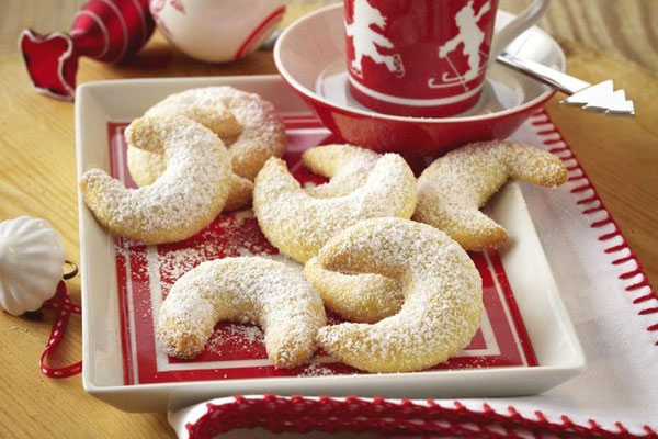 12 Traditional Holiday Desserts from Around the World   ParentMap