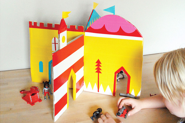 Homemade cardboard castle by Mer Mag