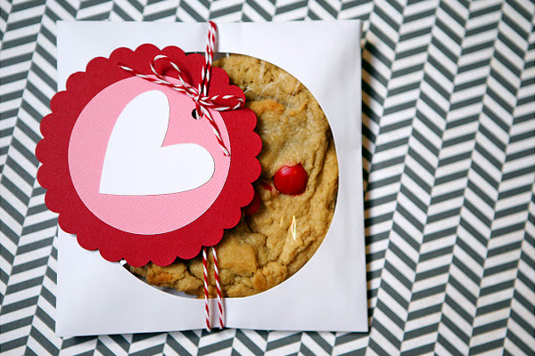 Homemade Valentine's Day cards by Eighteen 25