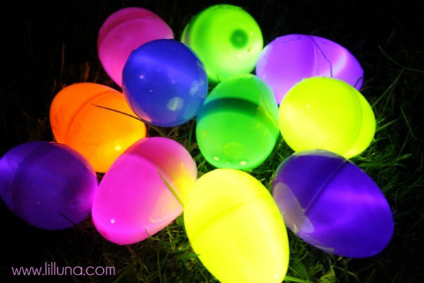 Glow-in-the-dark Easter egg hunt for kids by Lil' Luna