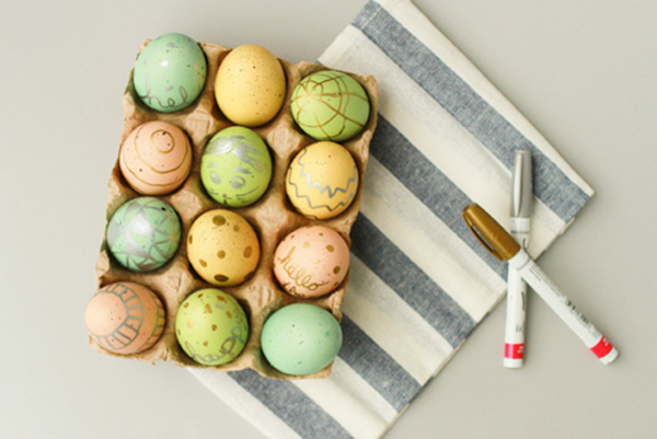 Metallics dyed Easter eggs for kids by Paper & Stitch