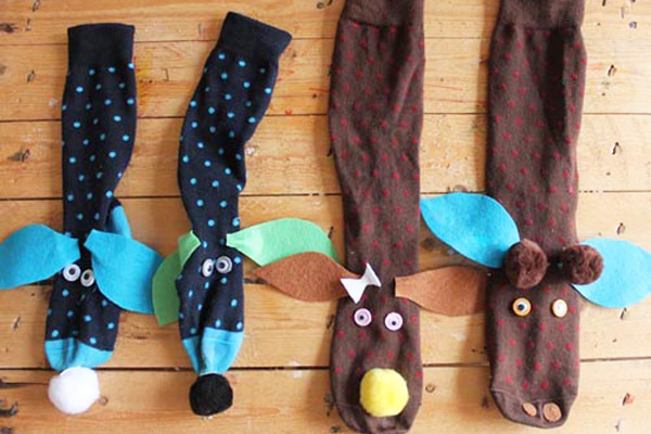 Homemade sock puppets by Babyccino Kids