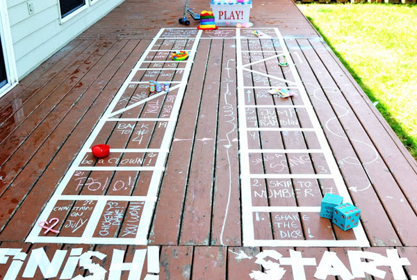 Homemade giant backyard board game for kids on Design Dazzle