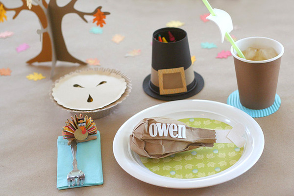 Thanksgiving kid's table ideas by Lisa Storms
