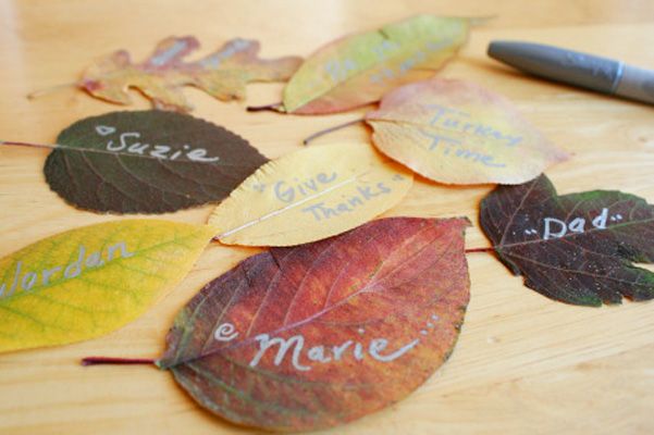 Thanksgiving decorative fall leaves by Make and Takes