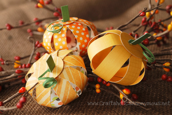 Thanksgiving mini paper pumpkins by Craftaholics Anonymous