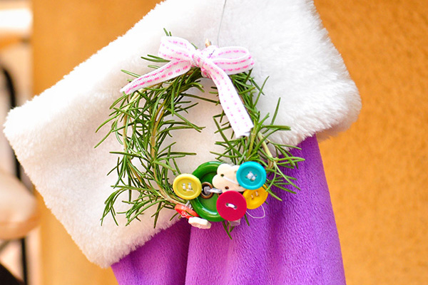 Homemade rosemary Christmas wreath ornaments by The Cheese Thief