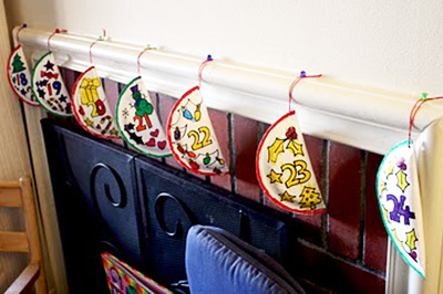 Christmas paper plate advent calendar by Filth Wizardry