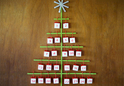 Homemade Christmas popsicle stick advent calendar by Crafty Nest