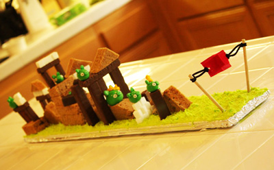Playable Angry Birds Birthday Cake by My Cake Adventures