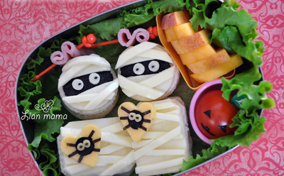 Halloween mummies bento box lunch by Lian Mama Obento