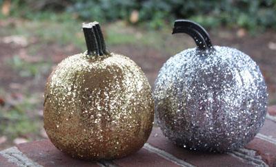 glitter halloween pumpkins by the rabens family - Glitter Halloween Decorations