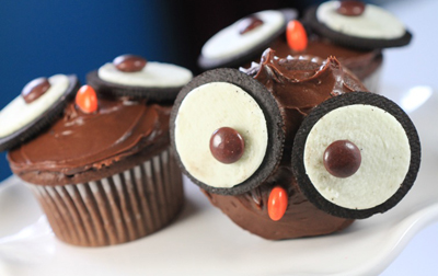Halloween owl cupcakes by Desserted Planet
