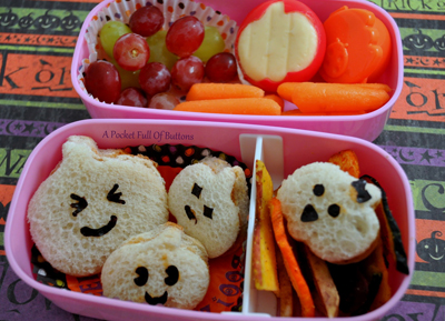 Halloween pumpkins bento box lunch by A Pocket Full of Buttons