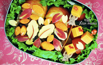 Thanskgiving autumn leaves bento box by Lian Mama Obento