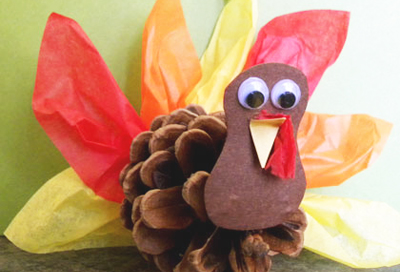 Thanksgiving pine cone turkey by Amazing Moms