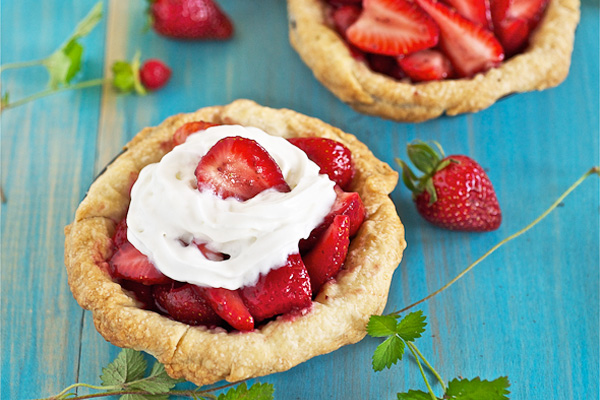 4th of July mini strawberry pies by Lemons and Anchovies