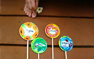 DIY garden markers for kids by Skip To My Lou