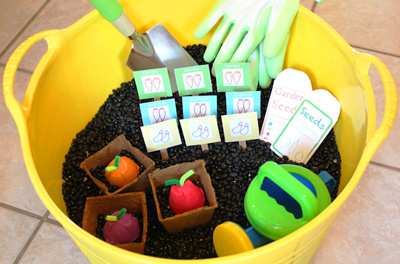 Gardening sensory tub for kids by Modern Parents Messy Kids