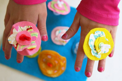 Felt flower rings by Giver's Log