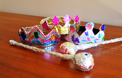 Homemade foil crowns and scepters for kids by iKat Bag