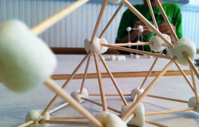 Marshmallow and toothpick building for kids by Mamascout