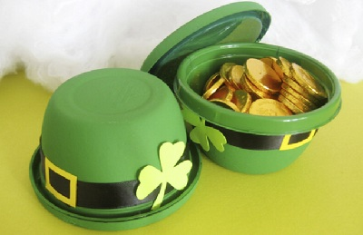 St. Patrick's Day DIY Hats by Paper, Plate, and Plane