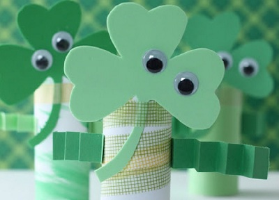 St. Patrick's Day DIY Shamrock Buddies by Sweet and Lovely Crafts