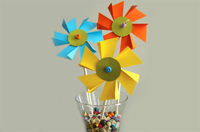 Homemade spring flower pinwheels by Alpha Mom