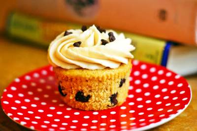 Chocolate chip cookie dough cupcakes by Bake at 350