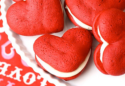 Valentine's Day red velvet whoopie pies by Annie's Eats