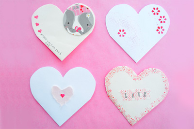 Upcycled Valentine's Day paper heart pouches by Zakka Life