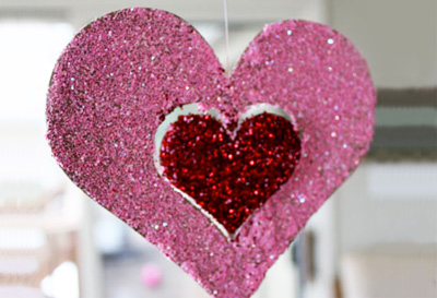 Valentine's Day hanging glitter hearts by Skip to My Lou